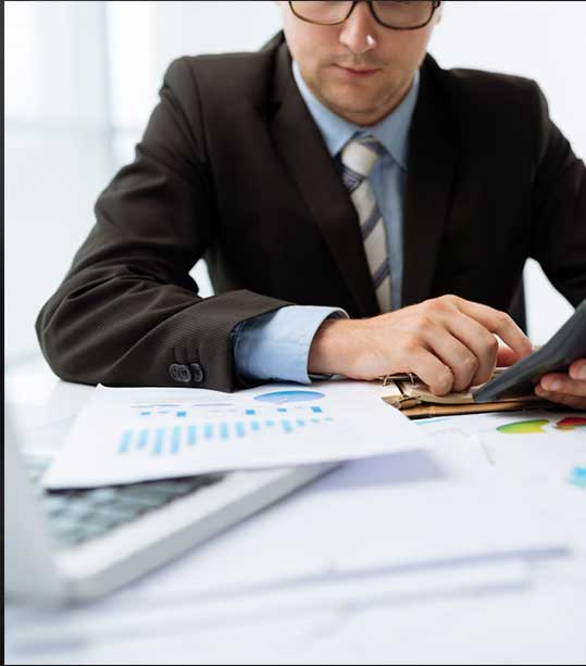 Is it better to file taxes with an accountant?
