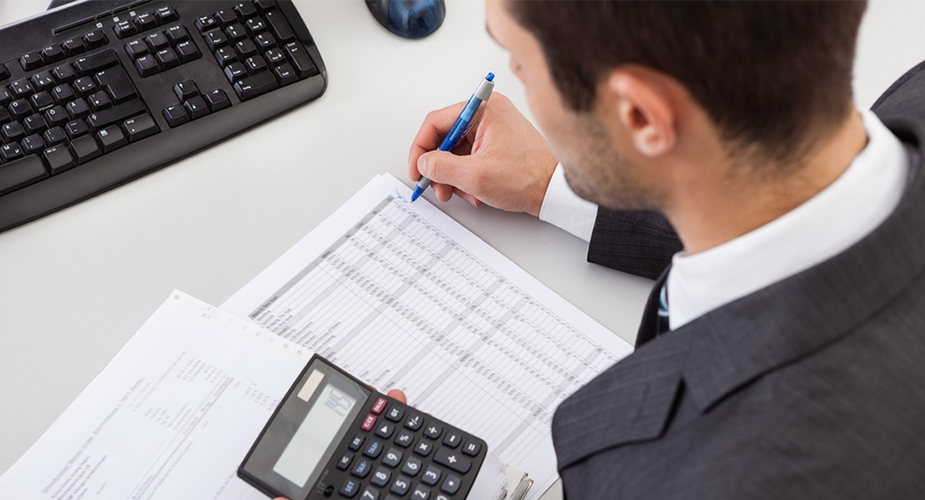 What does an accountant do in a small business?